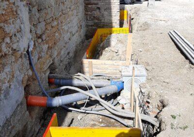 scavo per esalazione mura esterne